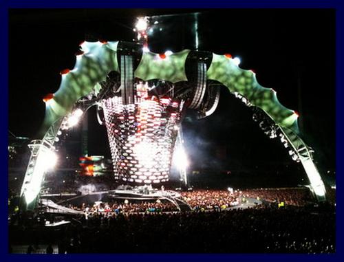 U2-360 Tour Stage 2010 Perth